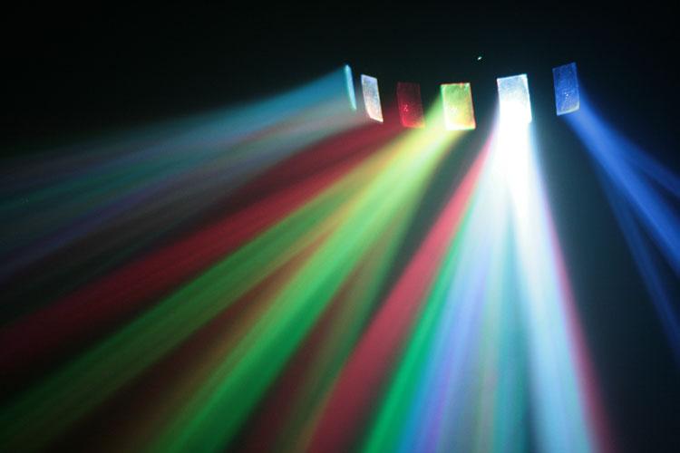 effetti luce raggi multicolore